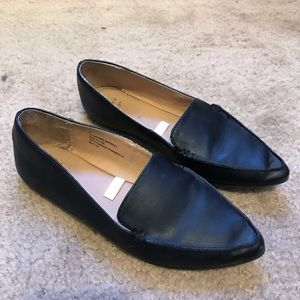 Black Pointed Tip Flats
